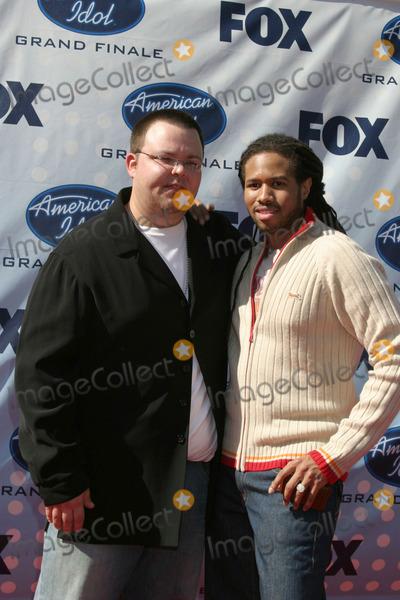 Anwar Robinson Photo - Scott Saval & Anwar RobinsonAmerican Idol Finale  Season 6Kodak TheaterLos Angeles, CAMay 23, 2007