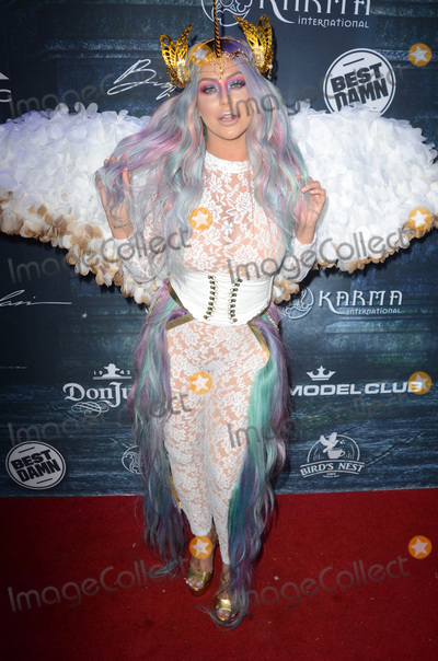 Aubrey O'Day Photo - LOS ANGELES - OCT 22:  Aubrey O'Day at the 2016 Maxim Halloween Party at Shrine Auditorium on October 22, 2016 in Los Angeles, CA