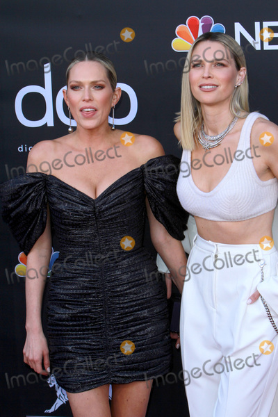 Erin Foster, Sara Foster Photo - LAS VEGAS - MAY 1:  Erin Foster, Sara Foster at the 2019 Billboard Music Awards at MGM Grand Garden Arena on May 1, 2019 in Las Vegas, NV