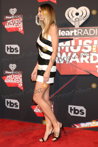 Heidi Klum Photo - LOS ANGELES - MAR 5:  Heidi Klum at the 2017 iHeart Music Awards at Forum on March 5, 2017 in Los Angeles, CA