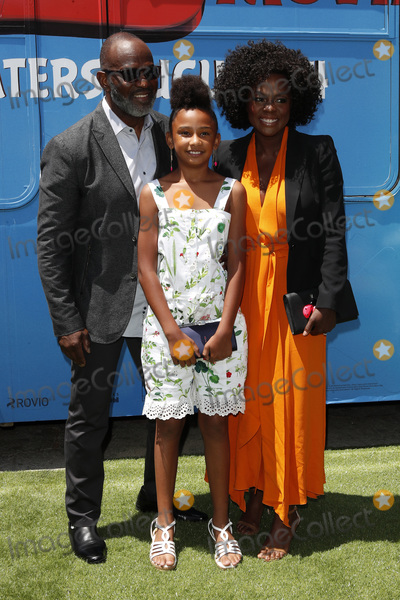 "Genesis, Viola Davis, Angry Bird, Angry Birds, Julius Tennon, Genesis Tennon Photo - LOS ANGELES - AUG 10:  Julius Tennon, Genesis Tennon, Viola Davis at the ""The Angry Birds Movie 2"" at the Village Theater on August 10, 2019 in Westwood, CA"