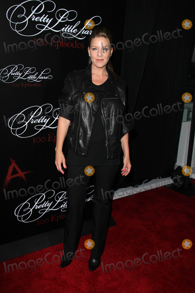 "Andrea Parker, Zoey Deutch Photo - Zoey DeutchLOS ANGELES - MAY 31:  Andrea Parker at the ""Pretty Little Liars"" 100th Episode Celebration, at W Hollywood on May 31, 2014 in Los Angeles, CA"