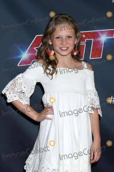 """Ansley Burns Photo - LOS ANGELES - SEP 3:  Ansley Burns at the """"America's Got Talent"""" Season 14 Live Show Red Carpet at the Dolby Theater on September 3, 2019 in Los Angeles, CA"""