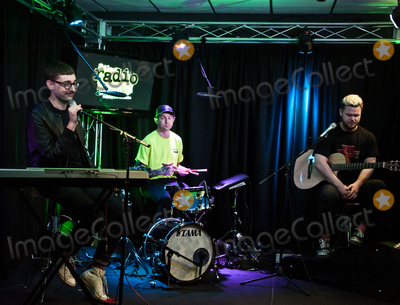 Alt J Photo - BALA CYNWYD, PA, USA - APRIL 20: English Alternative Rock Band alt-J Visit Radio 104.5's Performance Theatre on April 20, 2017 in Bala Cynwyd, Pennsylvania, United States. (Photo by Paul J. Froggatt/FamousPix)