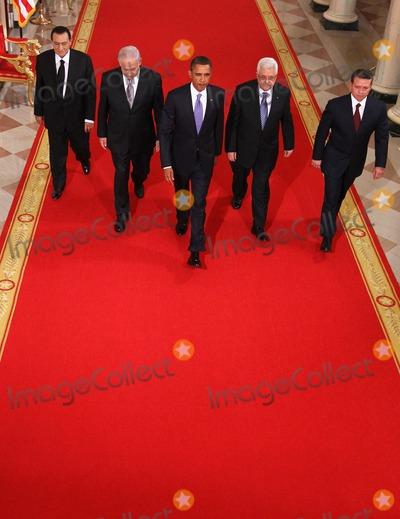 Abdullah II of Jordan, Barack Obama, Benjamin Netanyahu, King Abdullah, King Abdullah II of Jordan, Mahmoud Abbas, President Barack Obama, ABBA, Alex Wong, White House, The White Photo - RESTRICTED: NEW YORK/NEW JERSEY OUTNO NEW YORK OR NEW JERSEY NEWSPAPERS WITHIN A 75 MILE RADIUS OF NYC.(L-R) Egyptian President Hosni Mubarak, Israeli Prime Minister Benjamin Netanyahu, U.S. President Barack Obama, Palestinian Authority President Mahmoud Abbas, and King Abdullah II of Jordan walk toward the East Room of the White House for statements on the first day of the Middle East peace talks September 1, 2010 in Washington, DC. The White House has kicked off a new round of direct peace talks for the Middle East, the first one in more than 18 months.  Photo by Alex Wongs/Pool/CNP-PHOTOlink.net