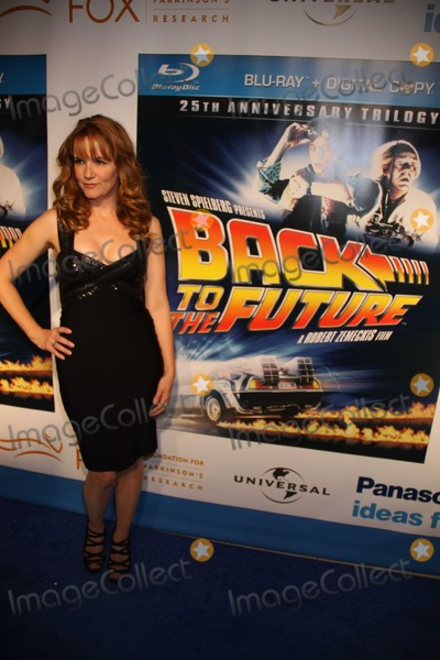 Lea Thompson Photo - New York, NY10-25-10Lea Thompson at  Back to the Future 25th Anniversay  TrilogyBlu Ray Release Party at Guatavino's Photo By Maggie Wilson-PHOTOlink.net