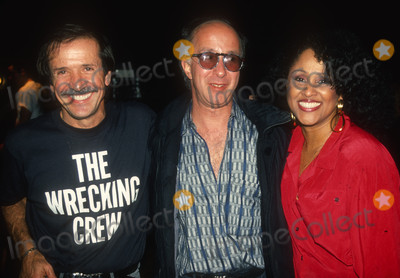 Bono, Darlene Love, Sonny Bono Photo - Bono Schaeffer Love1316.JPG1990 FILE PHOTONew York, NYSonny Bono Paul Schaeffer Darlene LovePhoto by Adam Scull-PHOTOlink.net