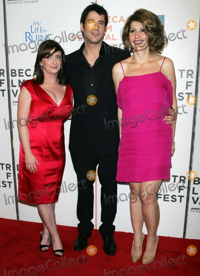 Donald Petrie, Nia Vardalos, Rachel Dratch Photo - New York, New York, 05-02-2009