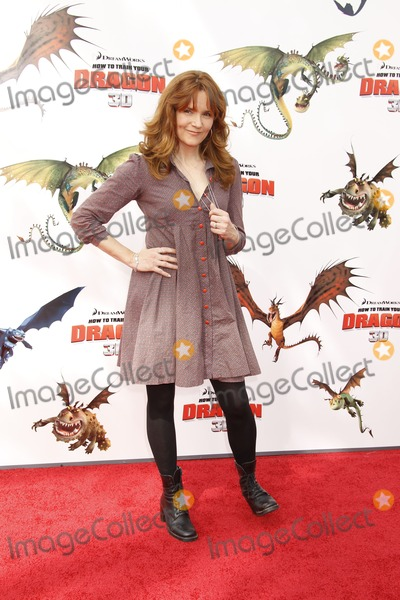 Train, Lea Thompson Photo - Universal City CA 3-7-2010