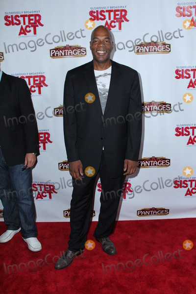 """Alonzo Bodden Photo - Photo by: GPTCW/starmaxinc.com2013ALL RIGHTS RESERVEDTelephone/Fax: (212) 995-11967/9/13Alonzo Bodden at the premiere of """"Sister Act"""".(Los Angeles, CA)"""
