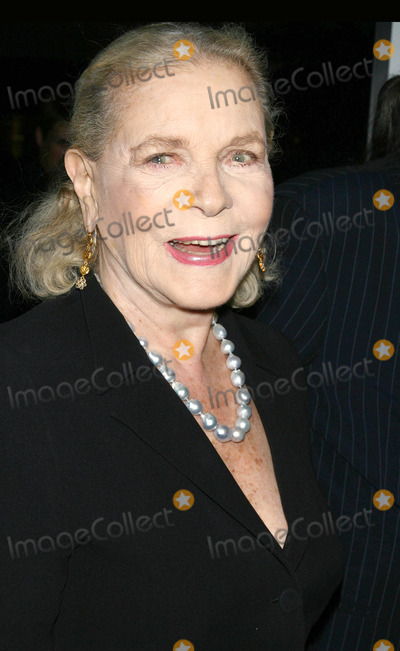 """Lauren Bacall Photo - Photo by: Raoul Gatchalian/starmaxinc.com2006. 9/26/06Lauren Bacall at the premiere of """"The Departed"""".(NYC)"""