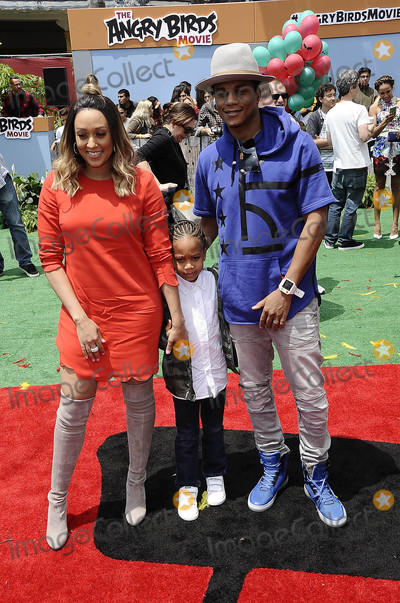 Cory Hardrict, Tia Mowry, Angry Bird, Angry Birds Photo - Photo by: Michael Germana/starmaxinc.comSTAR MAX2016ALL RIGHTS RESERVEDTelephone/Fax: (212) 995-11965/7/16Tia Mowry and Cory Hardrict at the premiere of 'Angry Birds'.(Los Angeles, CA)