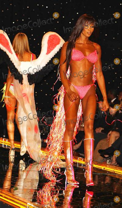 Naomi Campbell Victorias Secret 2006 Photos and Pict...