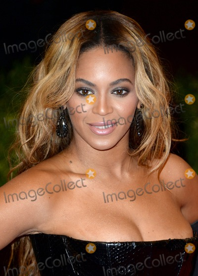 """Beyonce, Beyonce Knowles, Chaos Photo - Photo by: DP/AAD/starmaxinc.com2013STAR MAXALL RIGHTS RESERVEDTelephone/Fax: (212) 995-11965/6/13Beyonce Knowles at the """"PUNK: Chaos To Couture"""" Costume Institute Gala.(New York, New York)***U.S. syndication only!***"""
