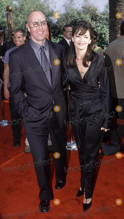 Arnold Vosloo Photo - Photo by Ilan Meiri 4_29_01Copyright Star Max 2001 The Mummy ReturnsUniversal AmpphitheaterUniversal City_CaliforniaArnold Vosloo and wife