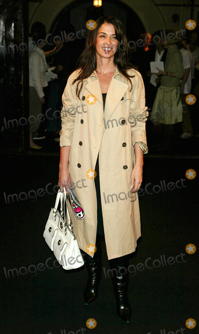 Marc Jacobs, ANABELLA SCIORRA Photo - Photo by: Peter KramerSTAR MAX, Inc. - copyright 2003. 9/15/03Anabella Sciorra at the Marc jacobs fashion show.(NYC)