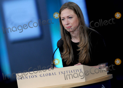 Chelsea Clinton, THE CLINTONS Photo - Photo by: Dennis Van Tine/starmaxinc.com