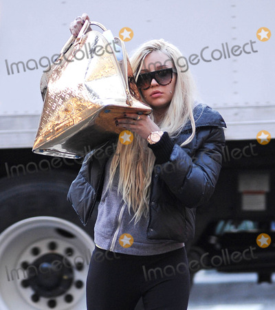 Amanda Bynes Photo - Photo by: Tanya Kesey/starmaxinc.com2013ALL RIGHTS RESERVEDTelephone/Fax: (212) 995-11964/8/13Amanda Bynes out and about.(NYC)