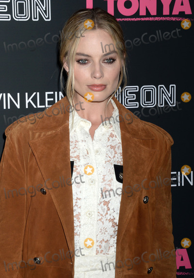 """Margot Robbie Photo - Photo by: Dennis Van Tine/starmaxinc.comSTAR MAXCopyright 2017ALL RIGHTS RESERVEDTelephone/Fax: (212) 995-119611/28/17Margot Robbie at the premiere of """"I, Tonya"""".(NYC)"""