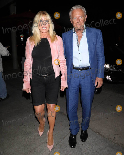 Alan Hamel, Suzanne Somers Photo - Photo by: gotpap/starmaxinc.comSTAR MAXCopyright 2018ALL RIGHTS RESERVEDTelephone/Fax: (212) 995-11969/17/18Suzanne Somers and Alan Hamel are seen at Craig's Restaurant in West Hollywood, Los Angeles, CA.