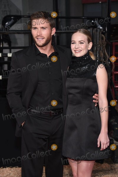 Britt Robertson, Scott Eastwood Photo - Photo by: KGC-11/starmaxinc.com