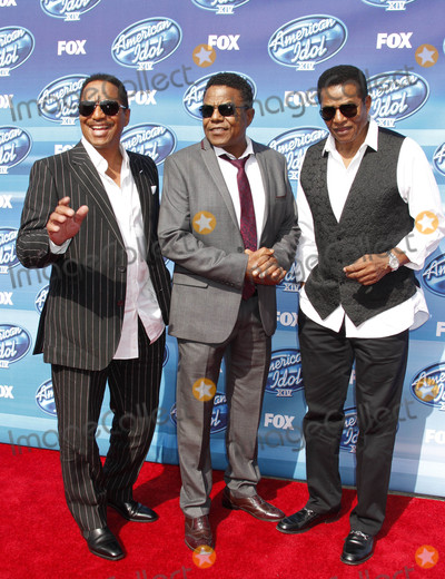 The Jacksons Photo - Photo by: RE/Westcom/starmaxinc.comSTAR MAX2015ALL RIGHTS RESERVEDTelephone/Fax: (212) 995-11965/13/15The Jacksons at The American Idol XIV Grand Finale.(Los Angeles, CA)