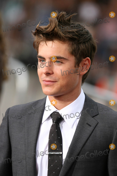 """Zac Efron Photo - Photo by: NPX/starmaxinc.com2010. 7/20/10Zac Efron at the premiere of """"Charlie St. Cloud"""".(Westwood, CA)***Not for syndication in France!***"""