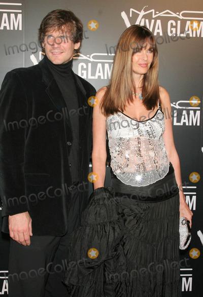Alexei Yashin, Carol Alt Photo - Photo by: Tom Lau/starmaxinc.com2006. 9/6/06Carol Alt and Alexei Yashin at M.A.C. Cosmetics Viva Glam VI Dinner. (NYC)