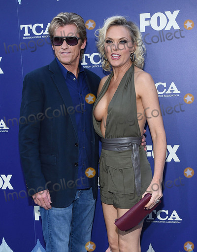 Denis Leary, Elaine Hendrix Photo - Photo by: KGC-11/starmaxinc.com