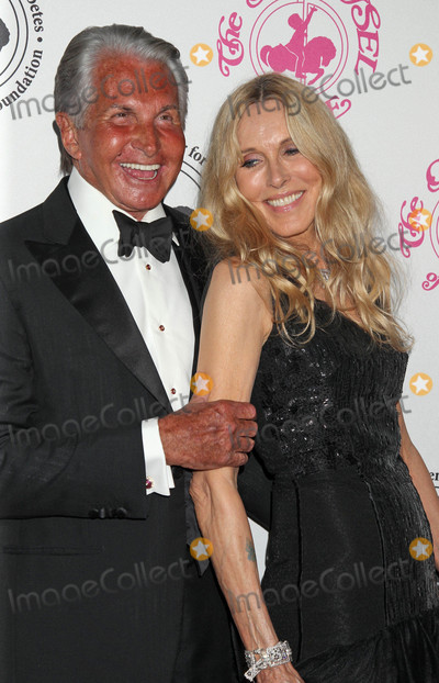 Alana Stewart, George Hamilton Photo - Photo by: RE/Westcom/starmaxinc.com