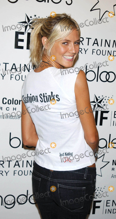 """Heidi Klum Photo - Photo by: Walter WeissmanSTAR MAX, Inc. - copyright 2003. 9/12/03Heidi Klum at """"Get Pinned!"""" to benefit EIF's National Colorectal Cancer Research Alliance.(Bloomiingdales, NYC)"""