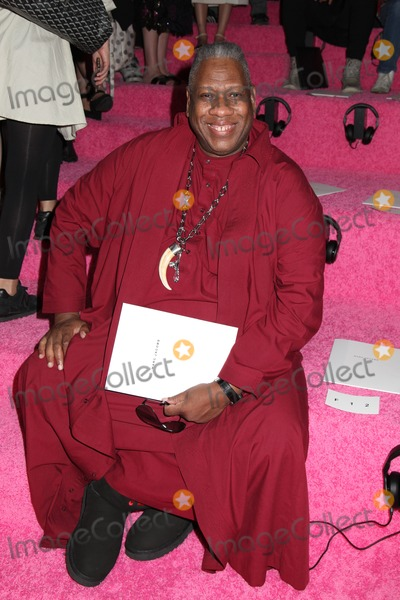 Andre Leon Talley, Leon, Leon Talley, André Leon Talley Photo - Photo by: HQB/starmaxinc.comSTAR MAX2014ALL RIGHTS RESERVEDTelephone/Fax: (212) 995-11969/11/14Andre Leon Talley at Mercedes-Benz Fashion Week Spring 2015 Collection.(NYC)