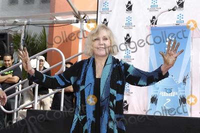 Kim Novak, Grauman's Chinese Theatre Photo - Kim Novak during a ceremony honoring her with Handprints and Footprints immortalized in cement, at Grauman's Chinese Theatre, April 14, 2012, in Los Angeles.