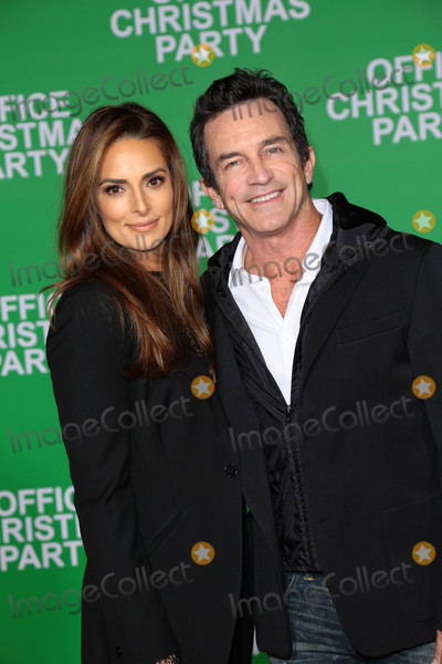 """Jeff Probst, Ann Russell, Lisa Ann Photo - Photo by: gotpap/starmaxinc.comSTAR MAX2016ALL RIGHTS RESERVEDTelephone/Fax: (212) 995-119612/7/16Jeff Probst and Lisa Ann Russell at the premiere of """"Office Christmas Party"""" in Westwood, CA."""