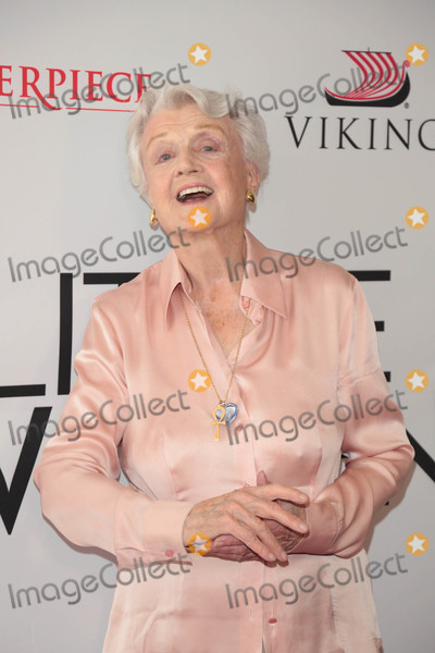 Angela Lansbury Photo - Photo by: gotpap/starmaxinc.comSTAR MAX2018ALL RIGHTS RESERVEDTelephone/Fax: (212) 995-11965/5/18Angela Lansbury at Little Women FYC Event in Hollywood, CA.