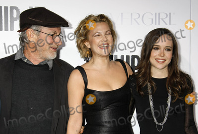 Drew Barrymore, Ellen Page, Steven Spielberg Photo - Photo by: NPX/starmaxinc.com