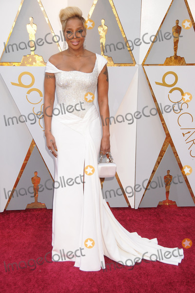 Photos And Pictures Photo By Galaxy Starmaxinc Com Star Max Copyright 2018 All Rights Reserved Telephone Fax 212 995 1196 3 4 18 Mary J Blige At The 90th Annual Academy Awards Oscars Presented By The Academy