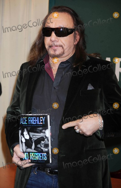 """Ace Frehley Photo - Photo by: Dennis Van Tine/starmaxinc.com2011ALL RIGHTS RESERVEDTelephone/Fax: (212) 995-119611/3/11Ace Frehley at a signing of his new book, """"No Regrets"""".(NYC)"""