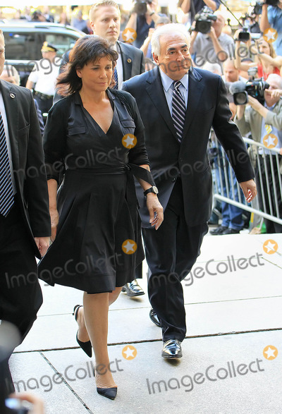 Sinclair, Dominique Strauss-Kahn, Anne Sinclair Photo - Photo by: Jackson Lee/starmaxinc.com 2011 ALL RIGHTS RESERVED Telephone/Fax: (212) 995-1196 8/23/11 Dominique Strauss-Kahn and wife Anne Sinclair arrive at NY Criminal Court. (NYC)