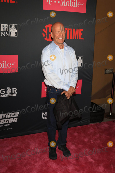 Bruce Willis Photo - Photo by: gotpap/starmaxinc.comSTAR MAX2017ALL RIGHTS RESERVEDTelephone/Fax: (212) 995-11968/26/17Bruce Willis at The Mayweather Vs. McGregor Fight held at The T-Mobiel Arena in Las Vegas, Nevada.