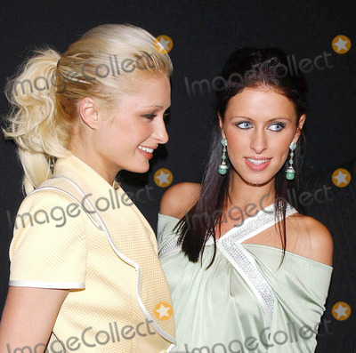 Nicky Hilton, Paris Hilton, The Fall Photo - Photo by: Walter Weissman/starmaxinc.com2005. 2/6/05Paris Hilton and Nicky Hilton at the Fall 2005 Collections during Fashion Week.(NYC)