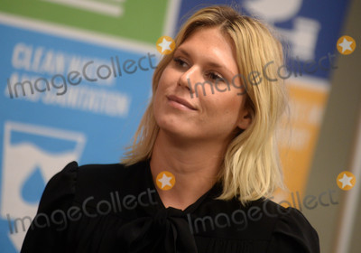 """Alexandra Richards, Richard Branson Photo - Photo by: Dennis Van Tine/starmaxinc.comSTAR MAX2017ALL RIGHTS RESERVEDTelephone/Fax: (212) 995-11966/8/17Richard Branson at an event to save the oceans by gettin 1 million signatures on the """"Avaaz Petition"""" in New York City."""