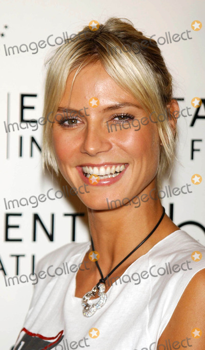 """Heidi Klum Photo - Photo by: Walter WeissmanSTAR MAX, Inc. - copyright 2003. 9/12/03Heidi Klum at """"Get Pinned!"""" to benefit EIF's National Colorectal Cancer Research Alliance.(NYC)"""