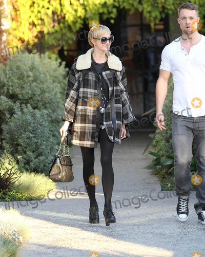 Andy LeCompte, Ashlee Simpson Photo - Photo by: VPRF/starmaxinc.com2010. 12/9/10Ashlee Simpson departs the Andy Lecompte Salon with a new hairstyle.(West Hollywood, CA)