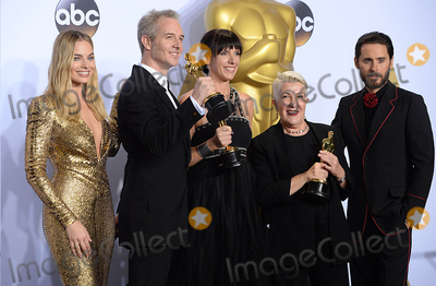 Jared Leto, The 88, Margot Robbie Photo - Photo by: PD/starmaxinc.comSTAR MAXCopyright 2016ALL RIGHTS RESERVEDTelephone/Fax: (212) 995-11962/28/16Damian Martin, Elka Wardega and Lesley Vanderwalt with The Oscar for Best Makeup and Hairstyling along with presenters Margot Robbie and Jared Leto at the 88th Annual Academy Awards (Oscars).(Hollywood, CA, USA)