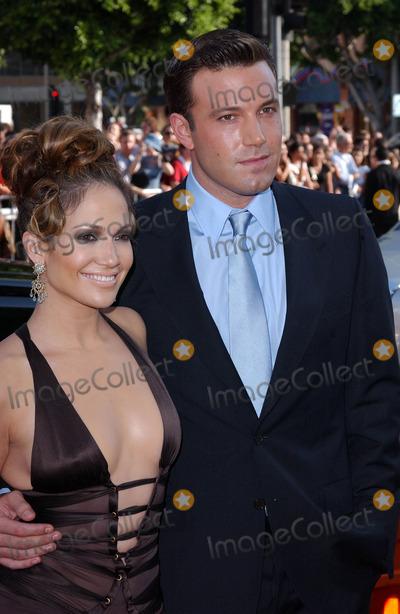 "Ben Affleck, Jennifer Lopez, JENNIFER LOPEZ, Photo - Photo by: Lee RothSTAR MAX, Inc. - copyright 2003. 7/27/03Ben Affleck and Jennifer Lopez at the premiere of ""Gigli"".(Westwood, CA)"
