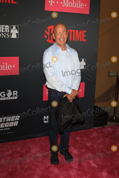 Bruce Willis Photo - Photo by: gotpap/starmaxinc.com