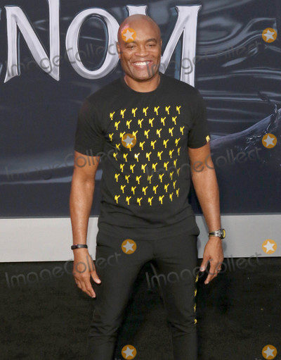 """Venom, Anderson Silva Photo - Photo by: gotpap/starmaxinc.comSTAR MAX2018ALL RIGHTS RESERVEDTelephone/Fax: (212) 995-119610/1/18Anderson Silva at the premiere of """"Venom"""" in Westwood, CA."""