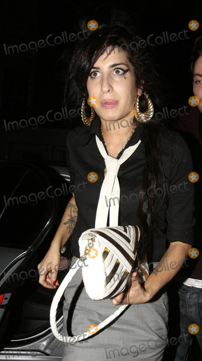 Amy Winehouse Photo - Amy Winehouse out on the town. (London, England) 2/12/08
