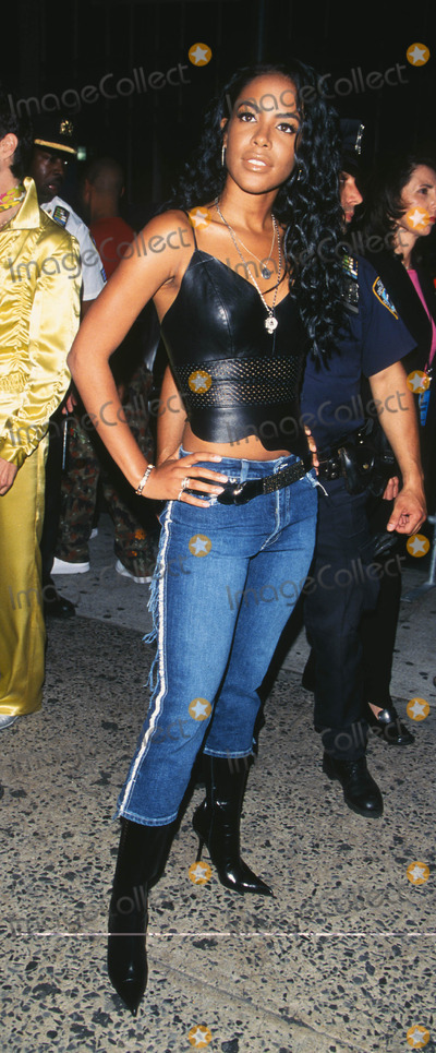 """Aaliyah Photo - Photo by: Peter KramerSTAR MAX, Inc. - copyright 2001. 8/1/01Aaliyah at """"MTV20: Live and Almost Legal"""".(Hamerstein Ballroom, NYC)"""